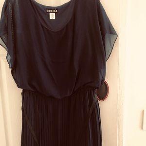 Navy blue plus size blouson dress 2x.